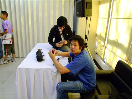คุณกำลังดูรูป : ภาพถ่ายงานแข่งขันรูบิค อพวช. 2009